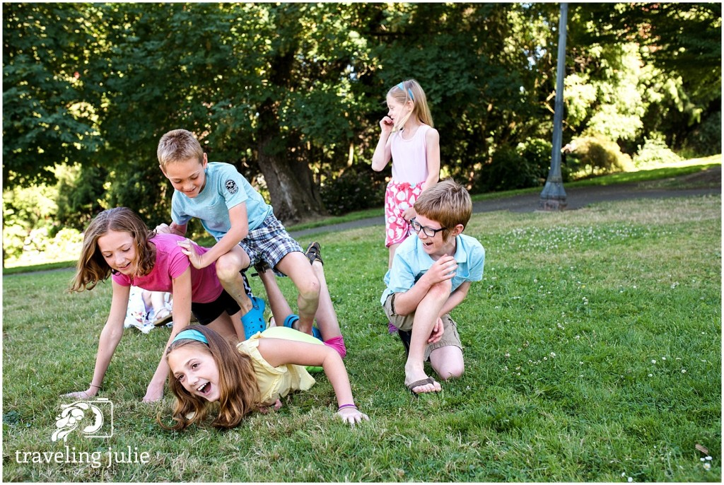 Fallen cousin pyramid Cathedral Park Extended Family Photography
