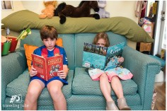 siblings reading mini session